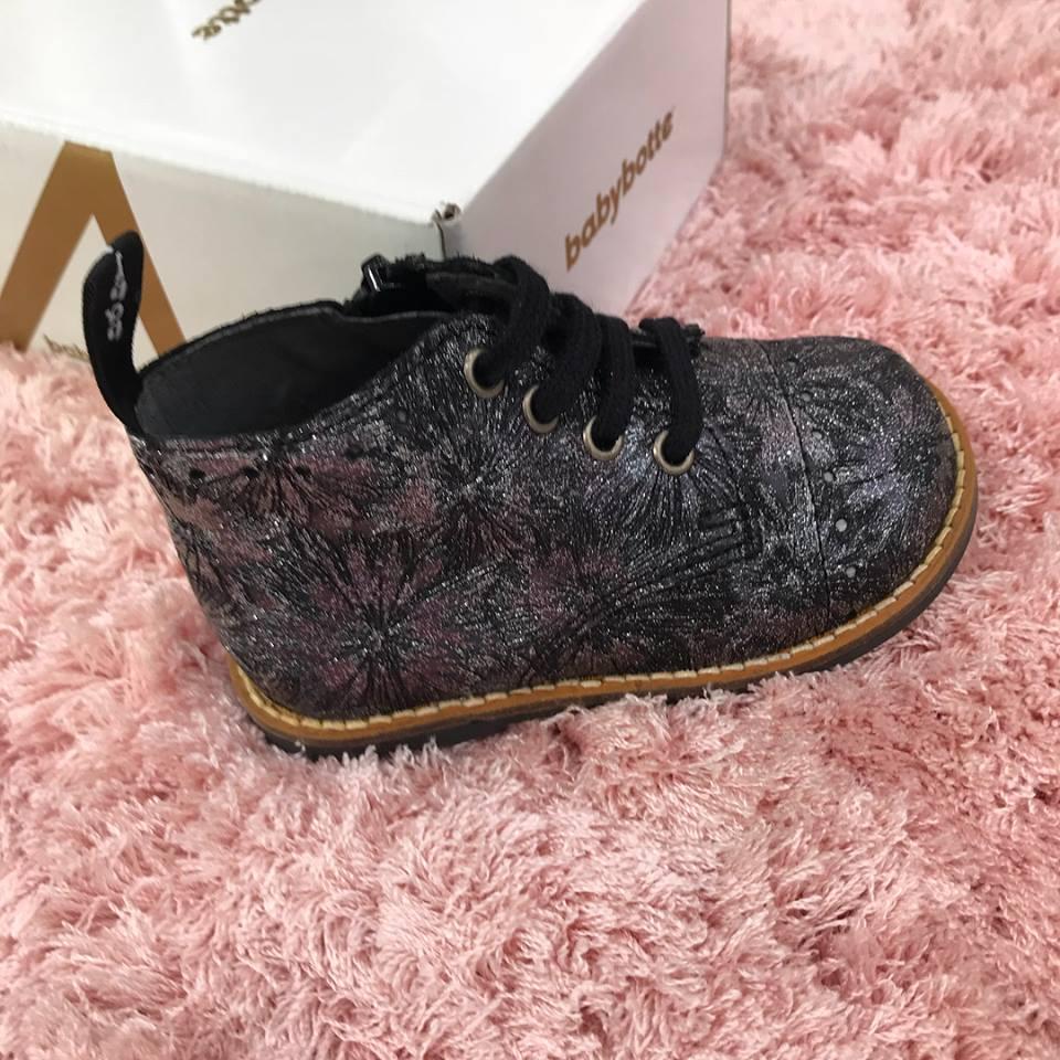 La nouvelle collection arrive!!!! Trop hâte de chausser les petits pieds bayeusains !!! (Et des alentours😉)  Et pour les p'tits mecs: